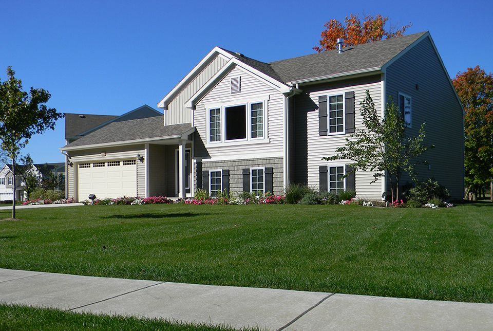 http://partners-dynamic.bdxcdn.com/Images/Homes/AllenEdwinHomes/max1500_27341177-180501.jpg