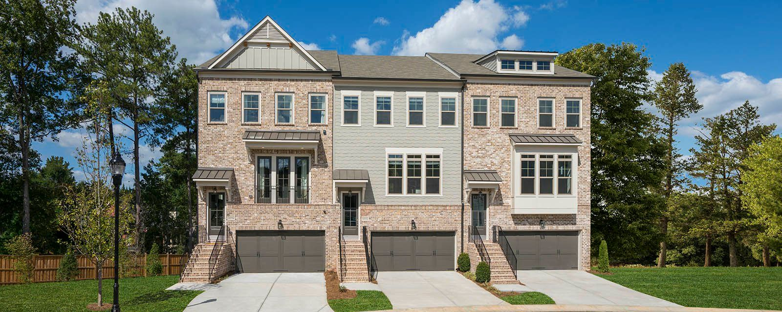 Multi Family voor Verkoop een t Easton 2380 Montford Place Smyrna, Georgia 30080 United States
