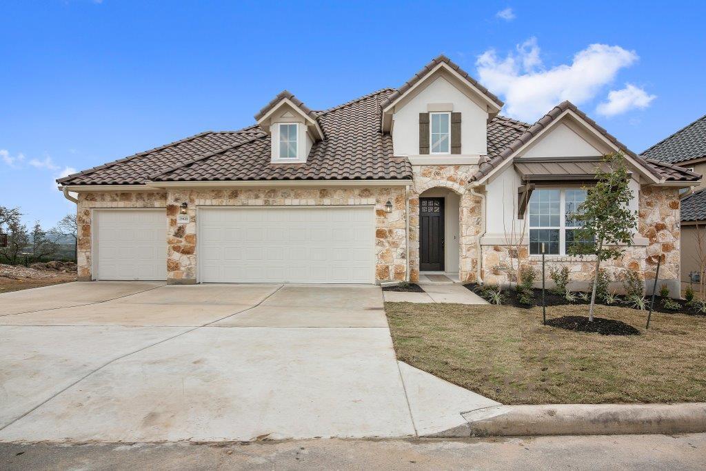 Single Family for Sale at Santa Clarita 19618 Summit Glory Trail Spicewood, Texas 78669 United States