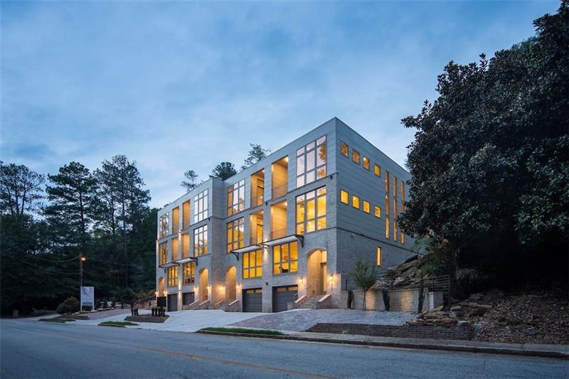 Multi Family voor Verkoop op The Oxbo 176 Oxbo Road Roswell, Georgia 30075 United States