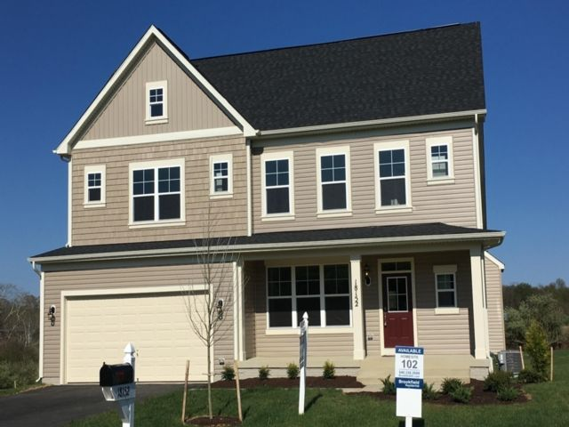 Single Family for Sale at 1422908-The Bluffs At Sleeter Lake Round Hill, Virginia 20141 United States