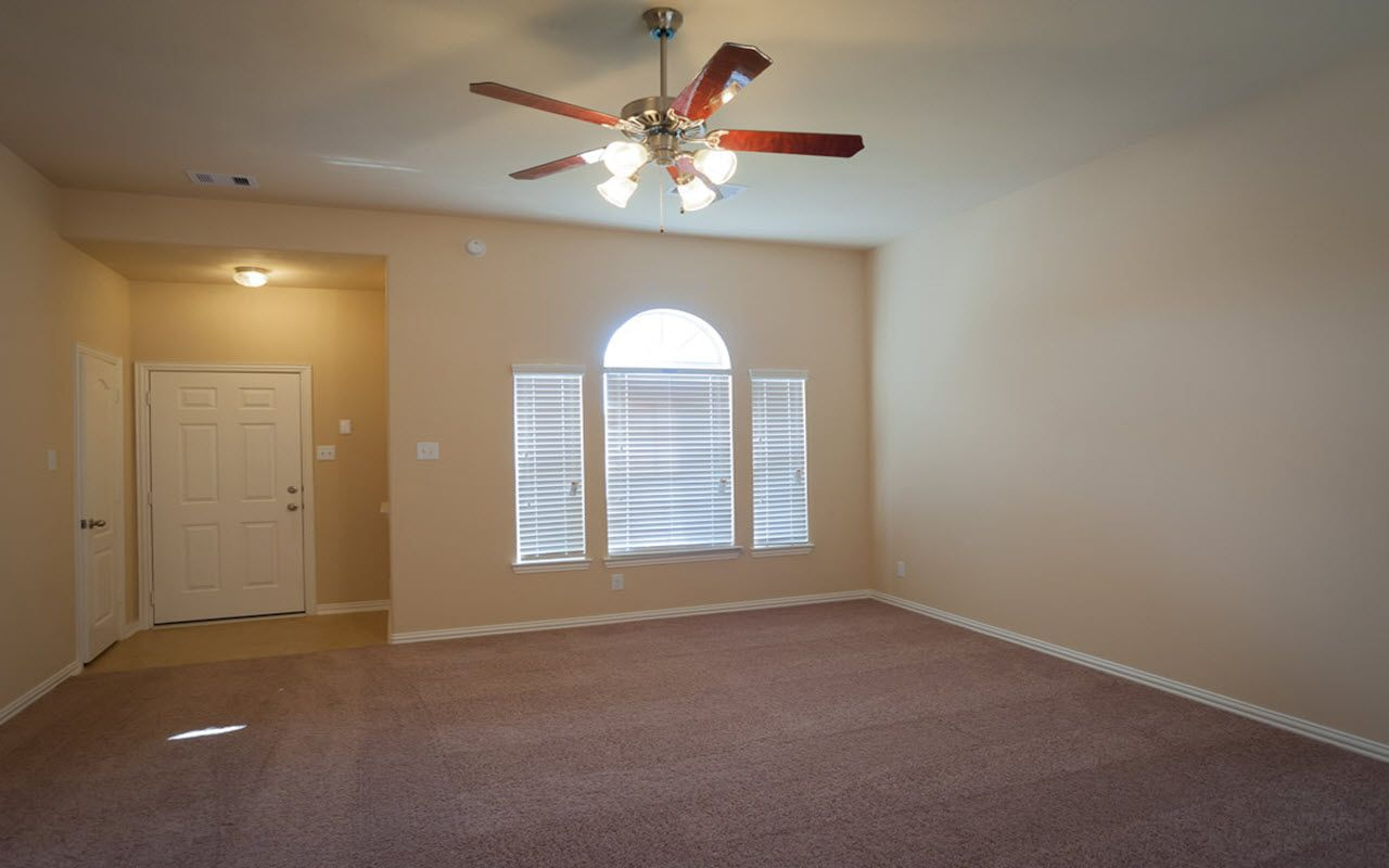 Single Family for Sale at Palisade-Silver 7134 Sunrise Drive Hitchcock, Texas 77563 United States