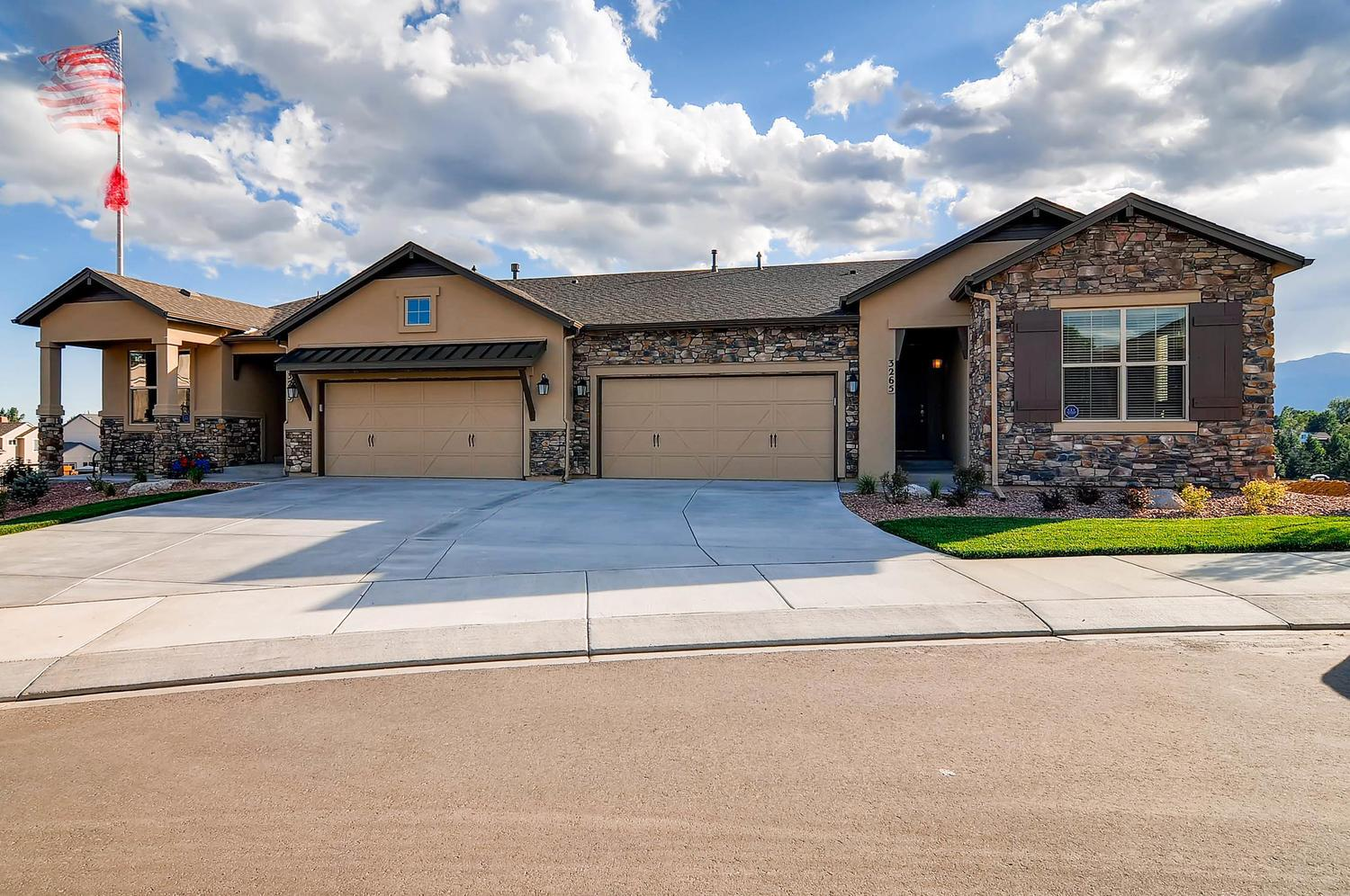 Classic homes lexington crossing at briargate avondale for Modern homes colorado springs