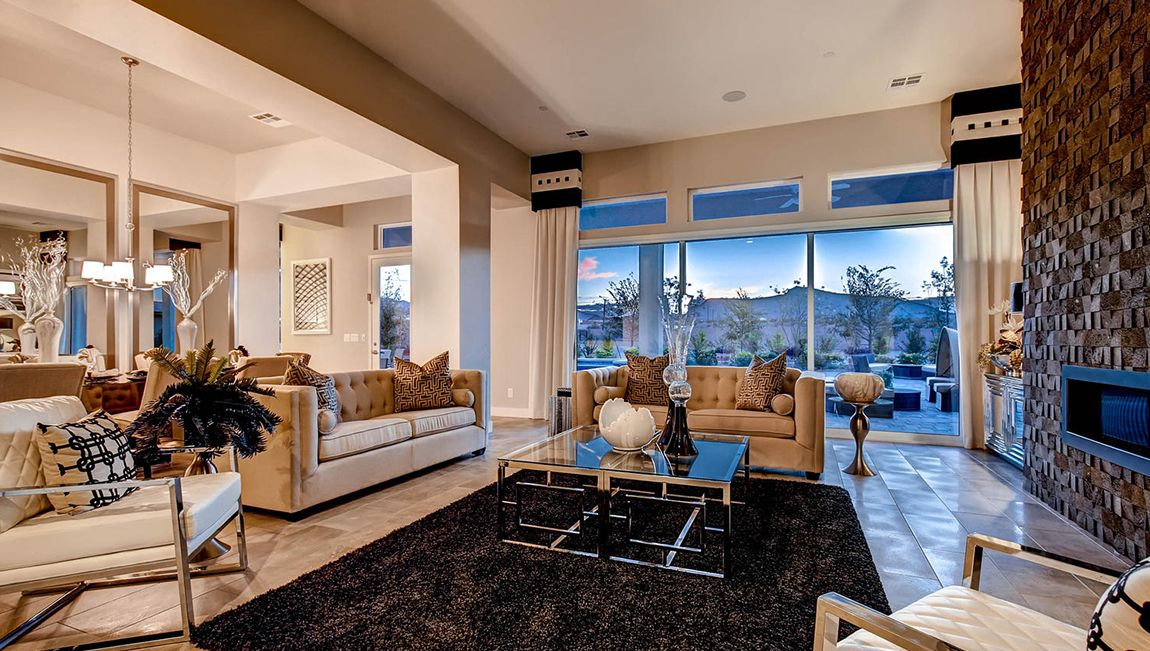 單親家庭 為 出售 在 Spanish Ranch Estates Ii - 5100 Plan 8182 W Ford Ave Las Vegas, Nevada 89113 United States