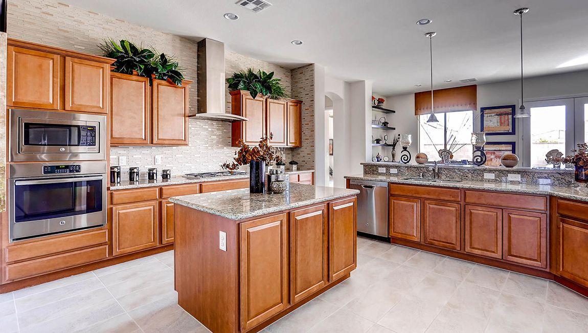 単一家族 のために 売買 アット Heritage Estates - 3035 Plan 10995 American Legion St. Las Vegas, Nevada 89183 United States