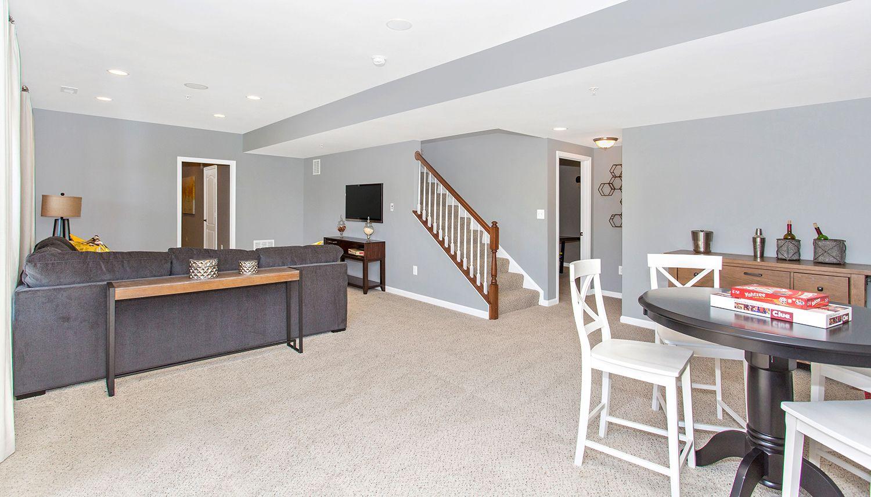 单亲家庭 为 销售 在 Castlerock Ii 2112 Gable Drive Jessup, Maryland 20794 United States