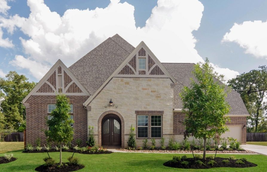 Single Family for Active at 8016 2064 Bluestem Drive Conroe, Texas 77384 United States