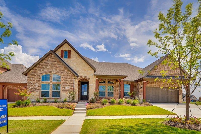 Unifamiliar por un Venta en Roseburg 1214 Norwood Street Mansfield, Texas 76063 United States