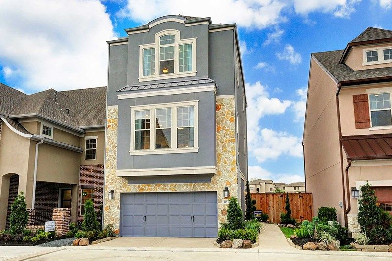 Single Family for Sale at Willow Ridge 2711 Strathwood Lane Houston, Texas 77082 United States