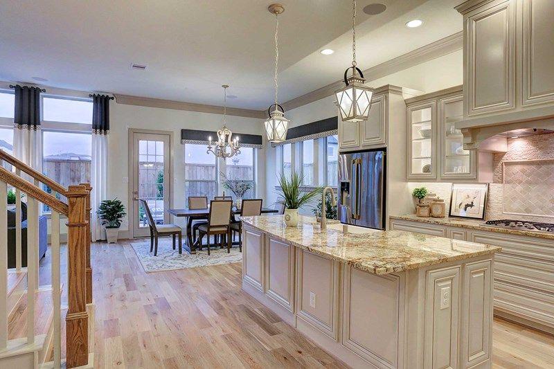 Single Family for Sale at Wickham 5722 Brancott Way Houston, Texas 77096 United States