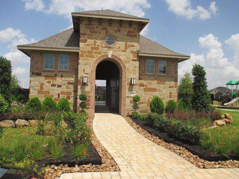 Single Family for Sale at Stonington 204 Castlegate Lane Jersey Village, Texas 77065 United States