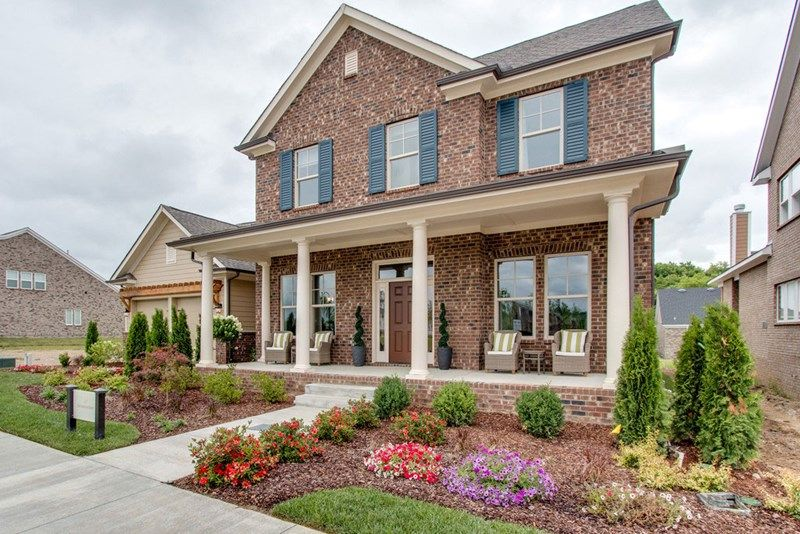 Single Family for Active at Durham Farms - Cottonwood Series - Daughtrey 120 Championship Place Hendersonville, Tennessee 37075 United States