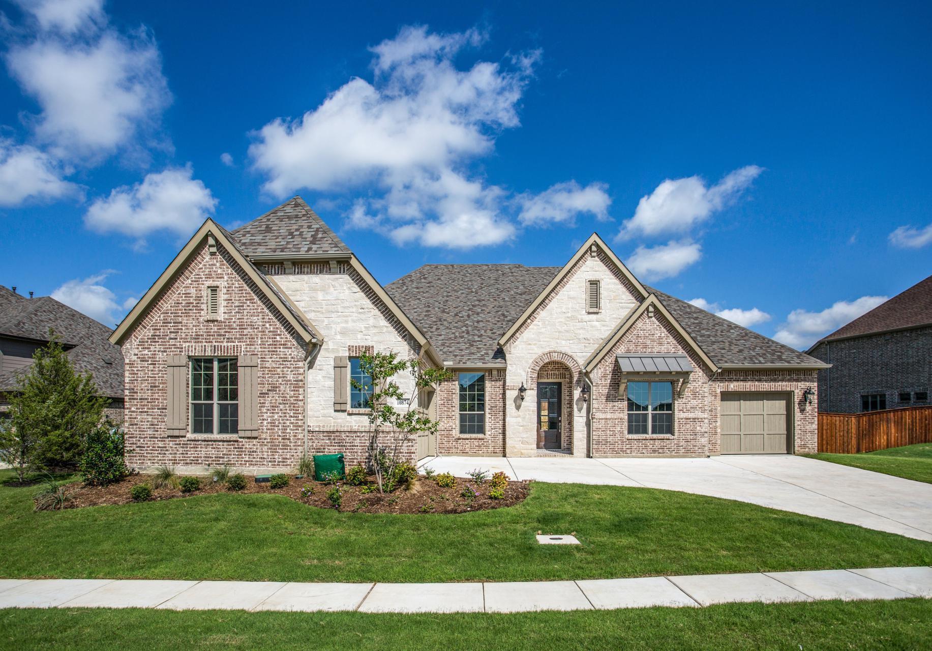 Single Family for Active at Lorenzo Iii 1004 Heather Falls Drive Rockwall, Texas 75087 United States