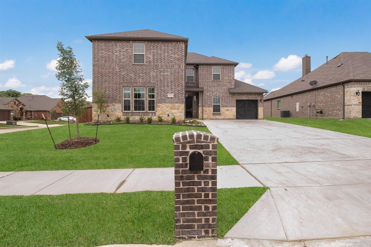http://partners-dynamic.bdxcdn.com/Images/Homes/DunhillHomes/max1500_35984518-190710.jpg