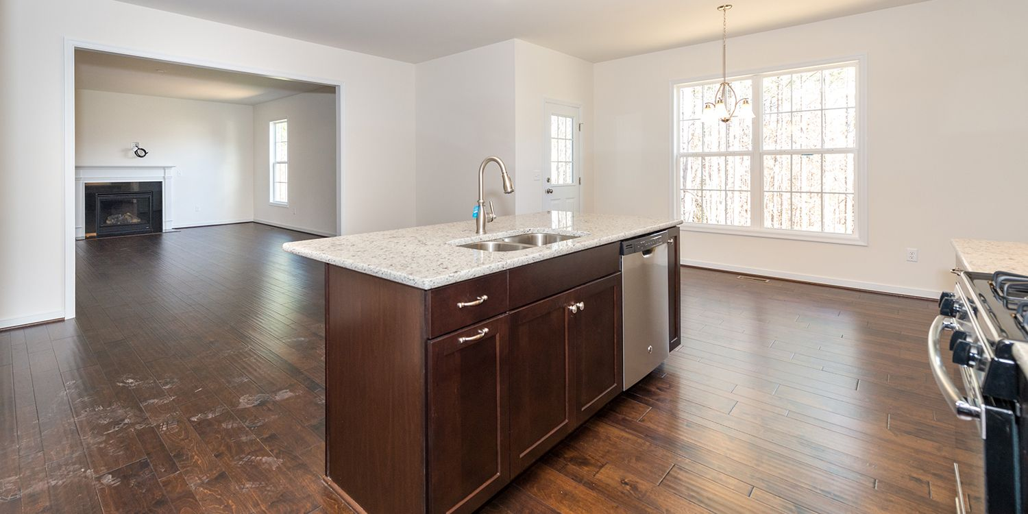 Additional photo for property listing at Claremont 16224 Longlands Road Chesterfield, Virginia 23832 United States
