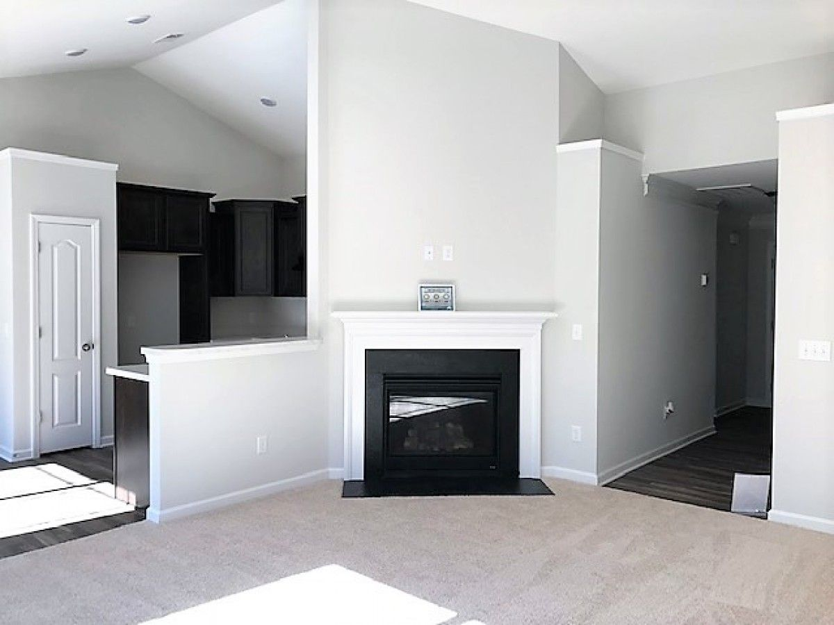 http://partners-dynamic.bdxcdn.com/Images/Homes/EastwoodHomes/max1500_30614438-181113.jpg