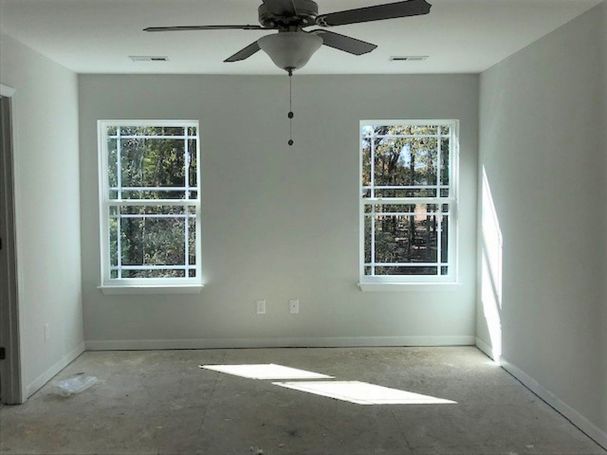 http://partners-dynamic.bdxcdn.com/Images/Homes/EastwoodHomes/max1500_30951379-181204.jpg