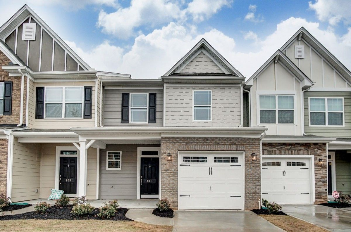 http://partners-dynamic.bdxcdn.com/Images/Homes/EastwoodHomes/max1500_32253830-190212.jpg