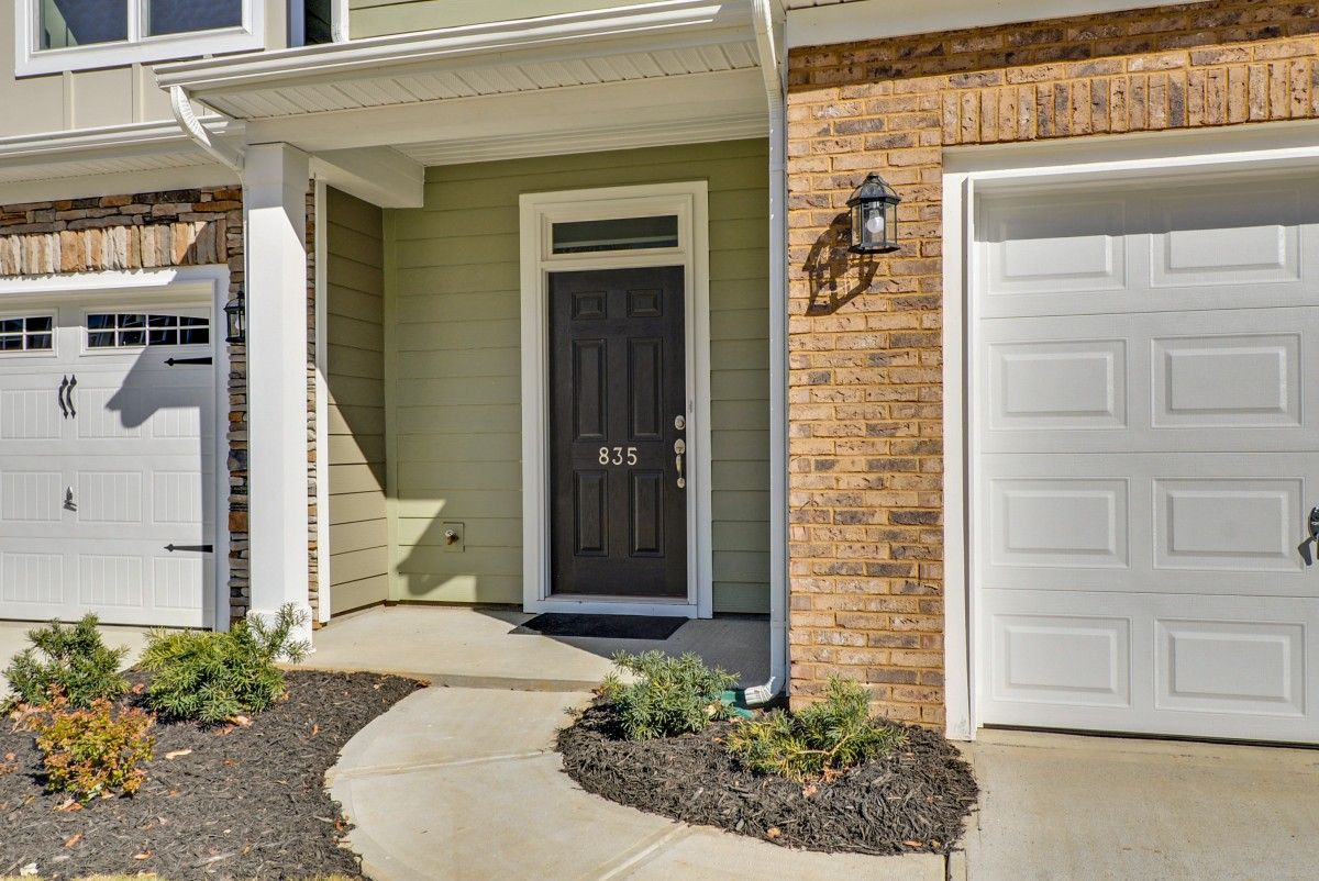 http://partners-dynamic.bdxcdn.com/Images/Homes/EastwoodHomes/max1500_39695969-191204.jpg