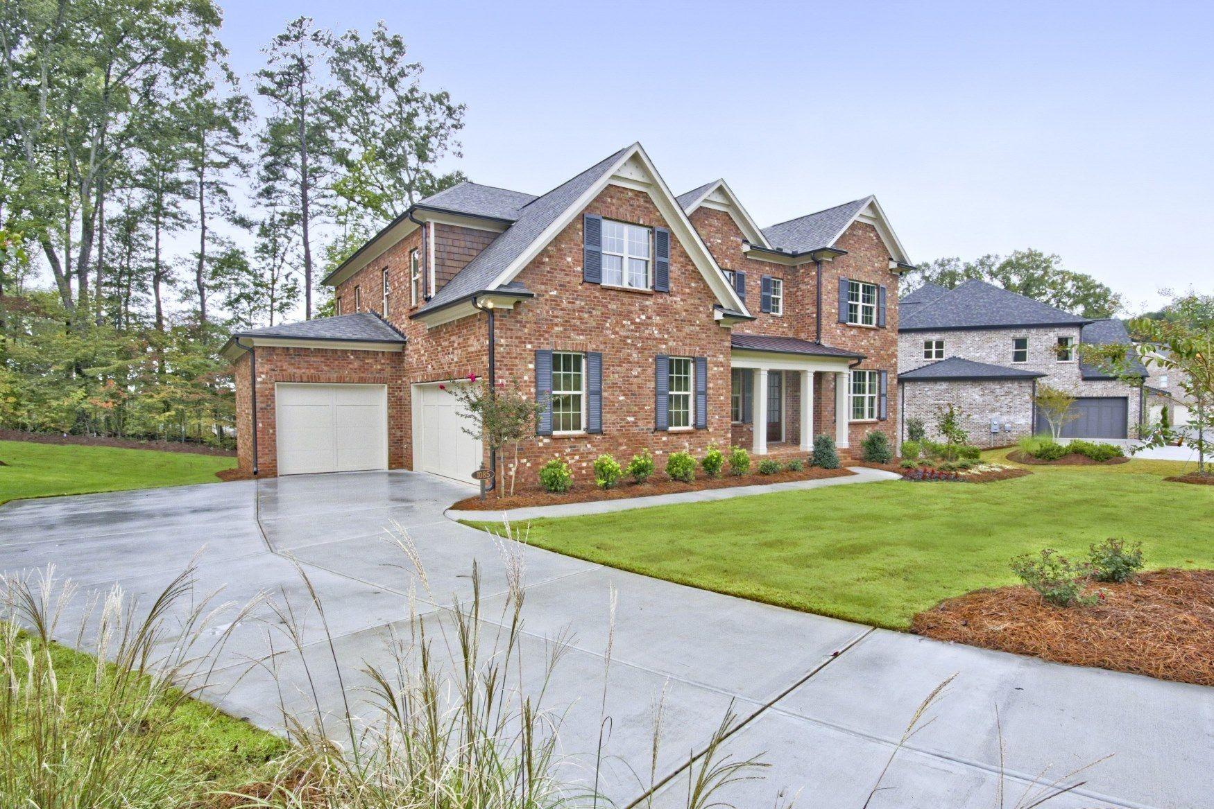 単一家族 のために 売買 アット Camden 1075 Nash Springs Circle Lilburn, Georgia 30047 United States