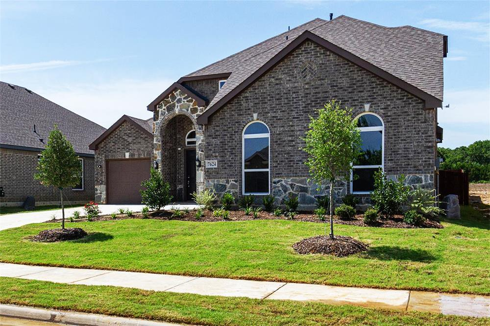 http://partners-dynamic.bdxcdn.com/Images/Homes/FirstTexasHomes/max1500_35883937-190707.jpg