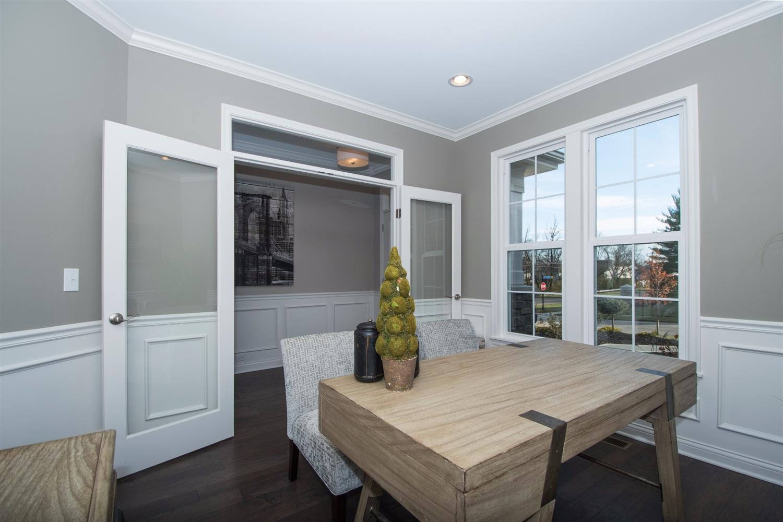 Additional photo for property listing at Everett 9996 Southport Lane Loveland, Ohio 45140 United States