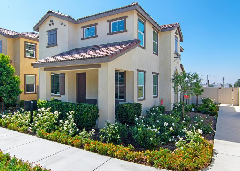 http://partners-dynamic.bdxcdn.com/Images/Homes/Front17810/max1500_40663455-200122.jpg