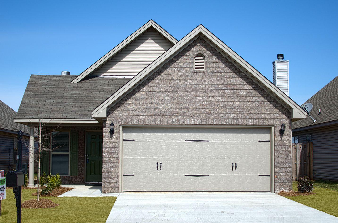 'Single Family' building or community at 'Park Lake 8553 Ridgeview Circle Montgomery, Alabama 36107 United States'