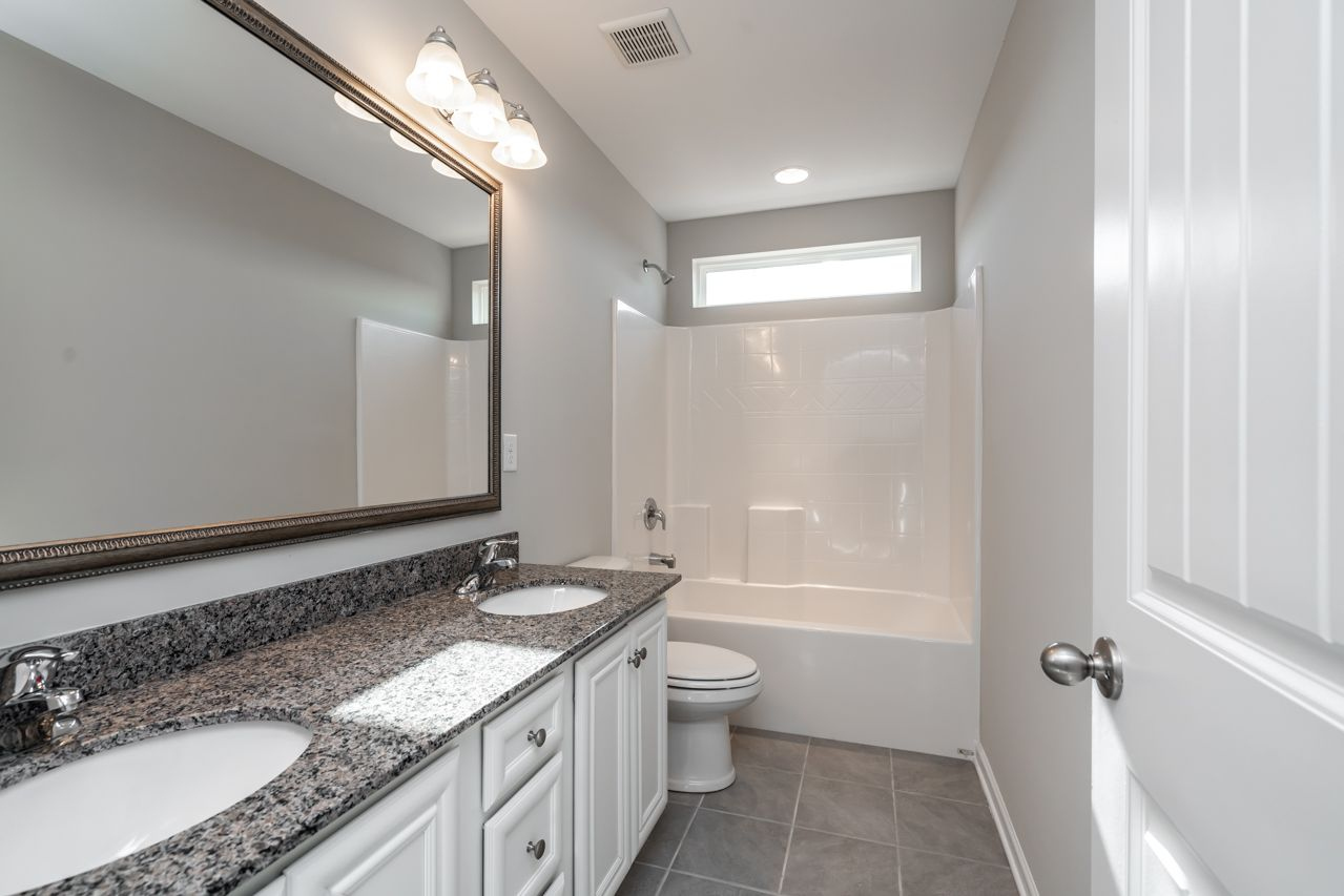 http://partners-dynamic.bdxcdn.com/Images/Homes/GreatSouthernHomes/max1500_33308958-190404.jpg