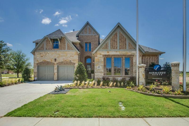Single Family for Sale at Granbury 2428 Vaquero Lane Carrollton, Texas 75010 United States