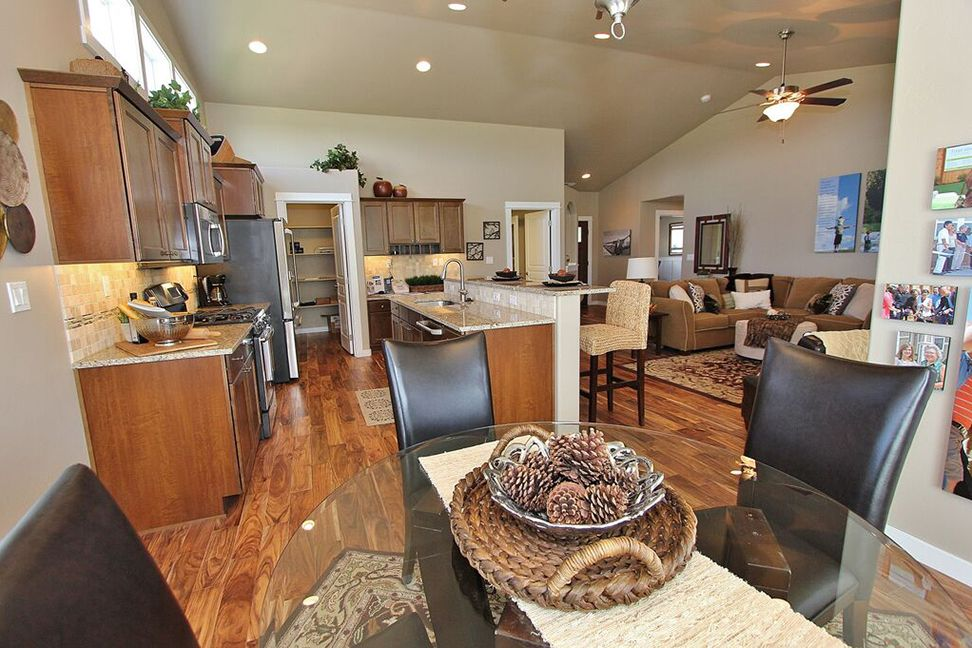 Single Family for Sale at Pacific 895 W. Jenicek Loop Post Falls, Idaho 83854 United States