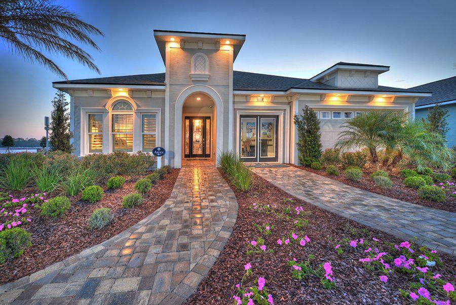 单亲家庭 为 销售 在 Arden 697 Mosaic Blvd. Daytona Beach, Florida 32124 United States