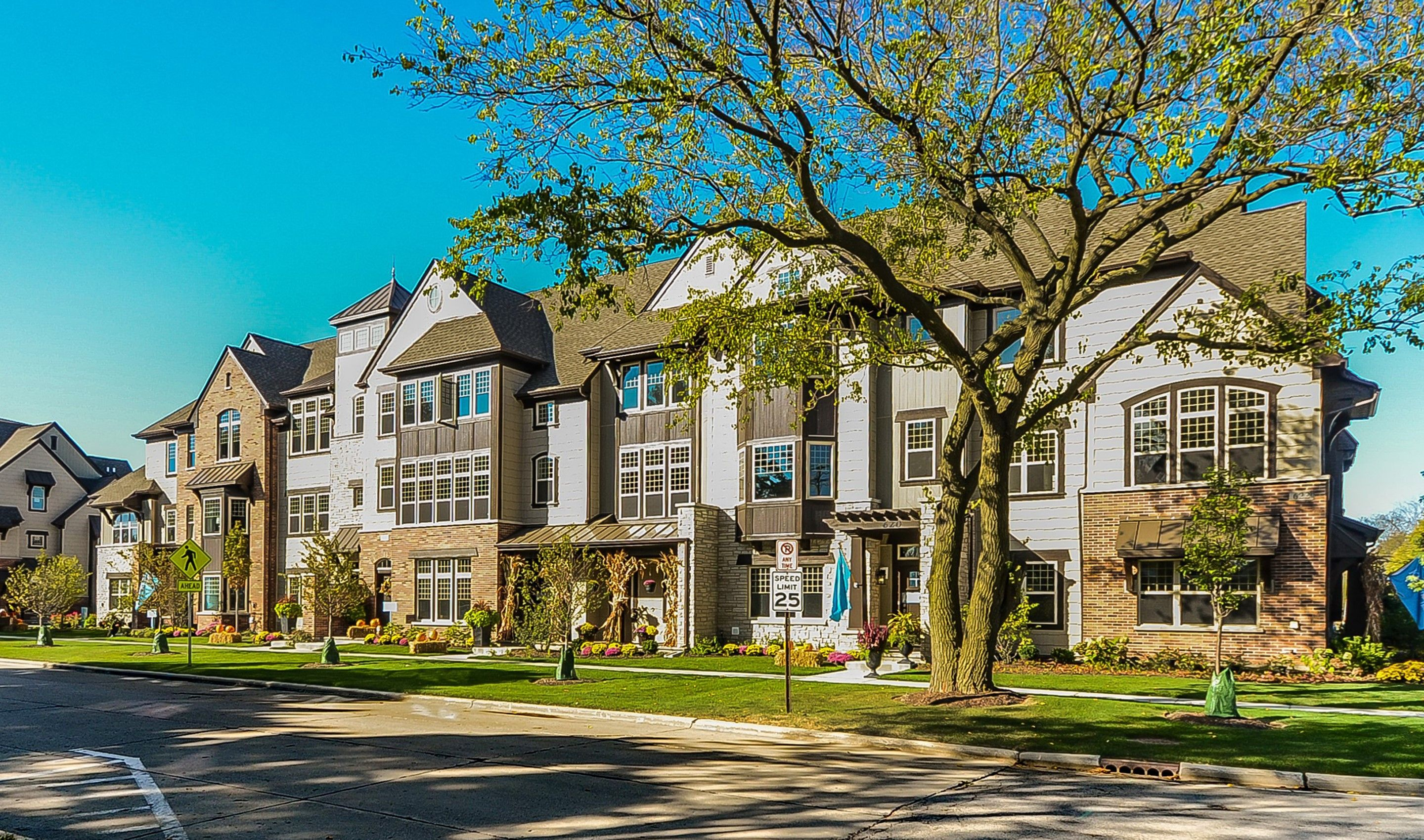 Multi Family for Active at Parkside Of Libertyville - Superior 611 Parkside Court Libertyville, Illinois 60048 United States