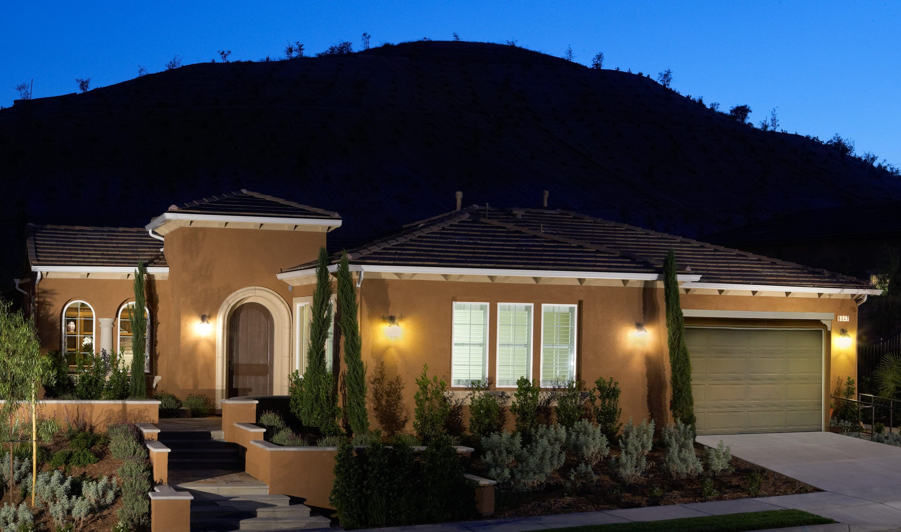 Single Family for Sale at The Executive Collection At Meridian Hills - Coral 6859 Ridgemark Drive Moorpark, California 93021 United States