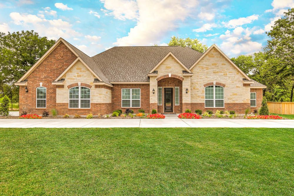 Single Family for Sale at The Woodlands - Mantle 107 Spanish Oak Drive Krugerville, Texas 76227 United States