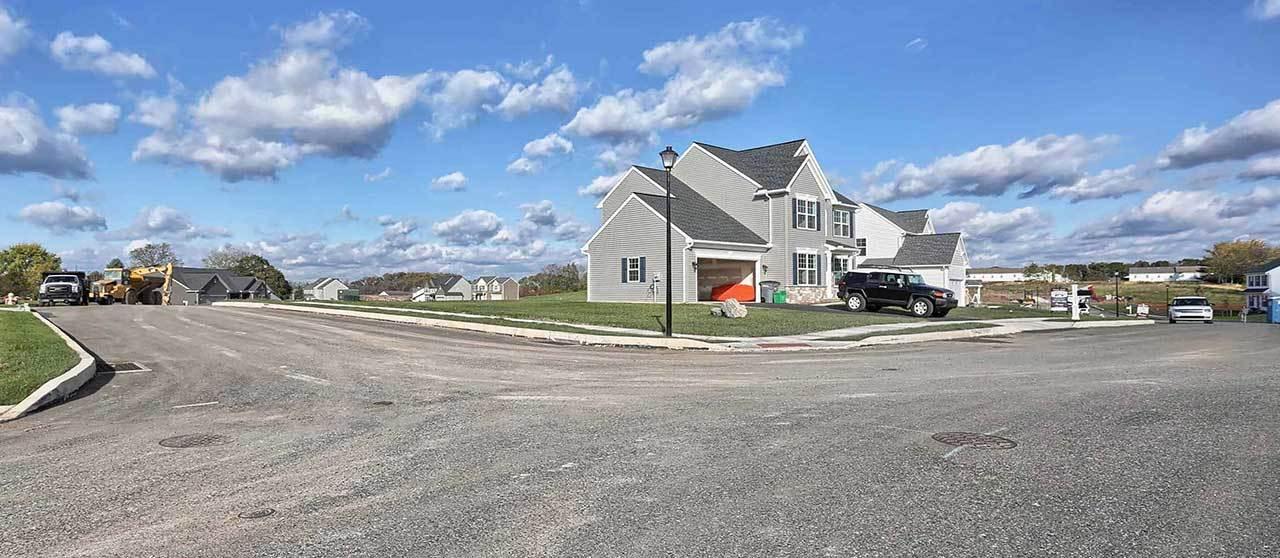 Single Family for Sale at Oakmont 18 Creekside Drive Lebanon, Pennsylvania 17042 United States