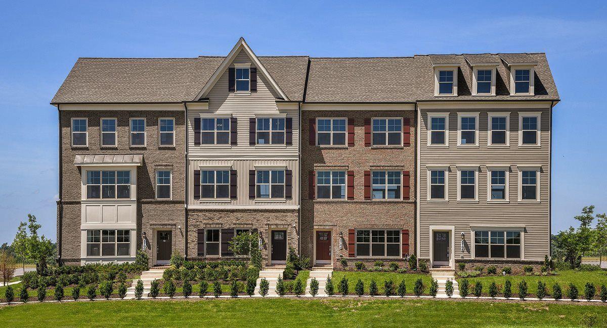 多户 为 销售 在 Wentworth 8702 Shady Pines Drive Urbana, Maryland 21704 United States