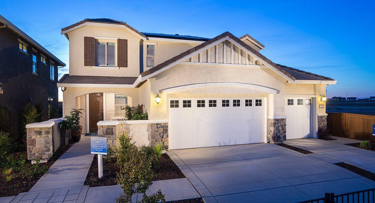 单亲家庭 为 销售 在 Kensington Estates At Somerset Ranch - The Windsor - Plan 3427 3811 Ivan Way Rancho Cordova, California 95742 United States