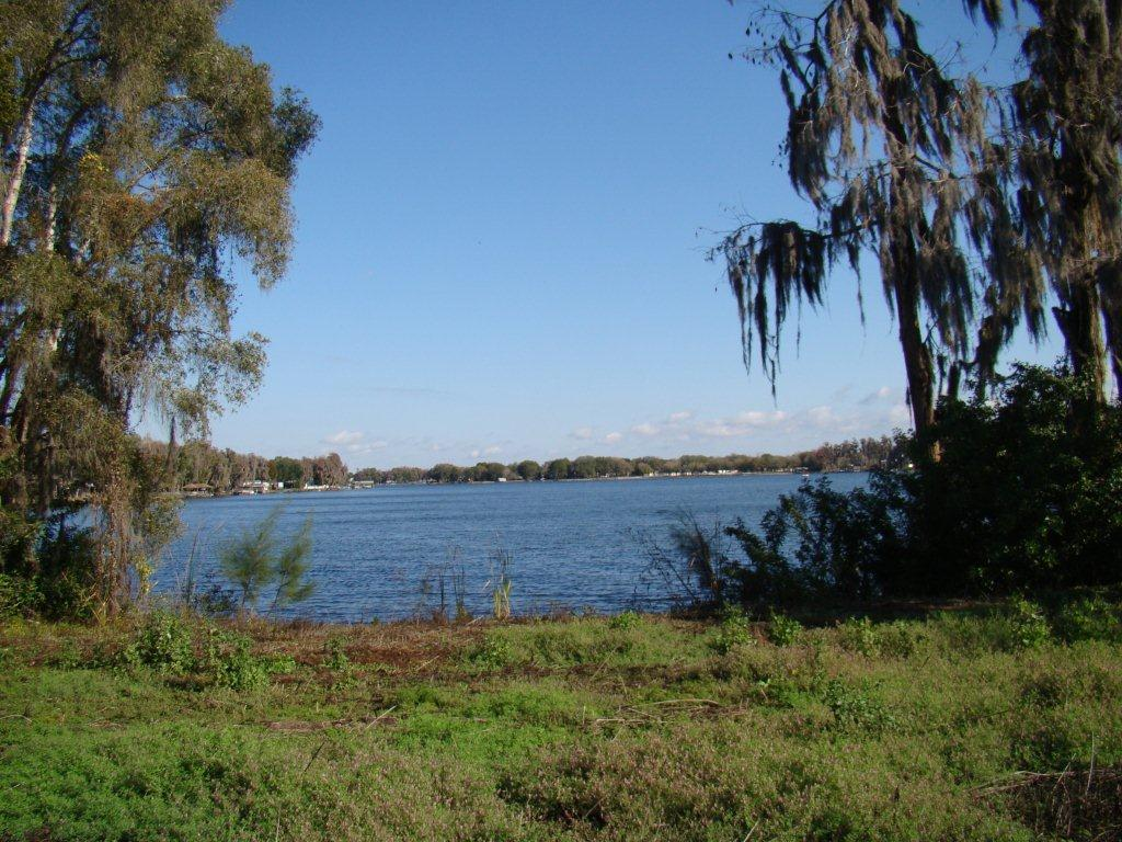 Photo of The Manors at Lake Padgett in Tampa, FL 33618