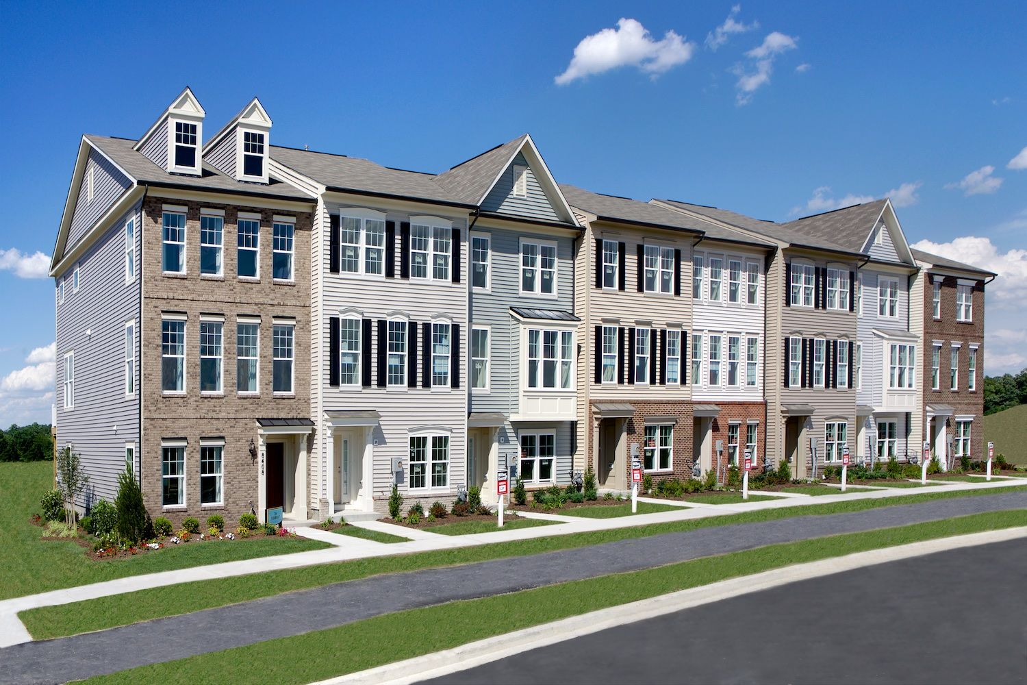 'Unique la famille' building or community at 'Tallyn Ridge 8401 Pine Bluff Road Frederick, Maryland 21704 United States'