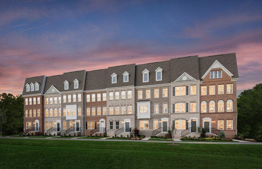 Multifamiliar por un Venta en Century Row - Frankton With Rooftop Terrace 20305 Century Blvd Germantown, Maryland 20874 United States