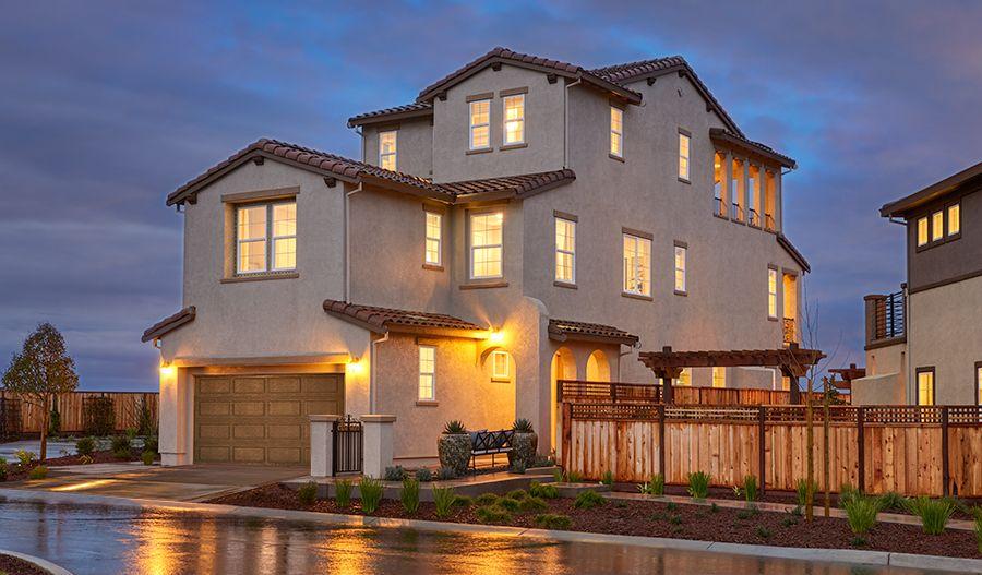 单亲家庭 为 销售 在 The Promontory At Stonebrae - Erickson Ii 173 Sonas Drive Hayward, California 94542 United States