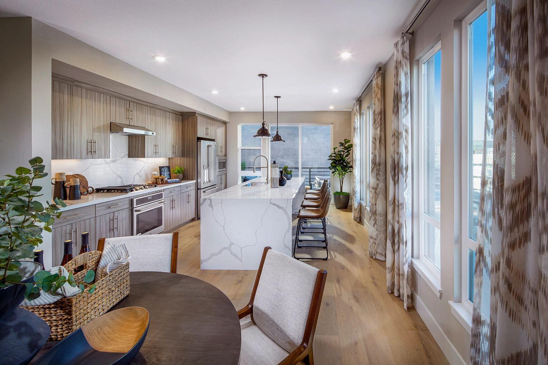单亲家庭 为 销售 在 Plan 2 3888 Invent Terrace Unit 402 Fremont, California 94538 United States