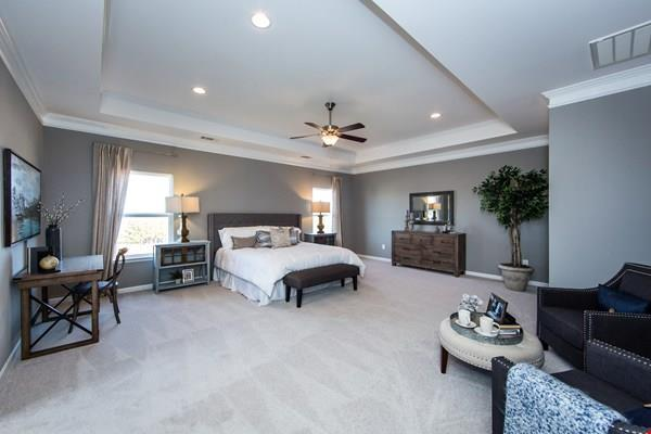 http://partners-dynamic.bdxcdn.com/Images/Homes/Smith4827/max1500_26519367-180326.jpg