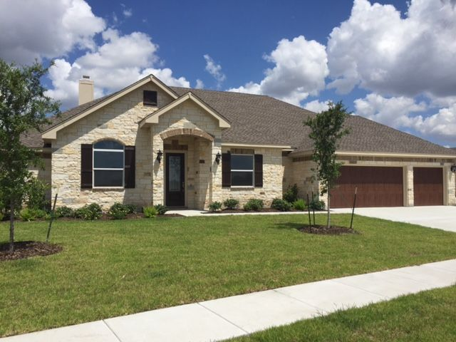 112 Chisholm Trail, Victoria, TX Homes & Land - Real Estate