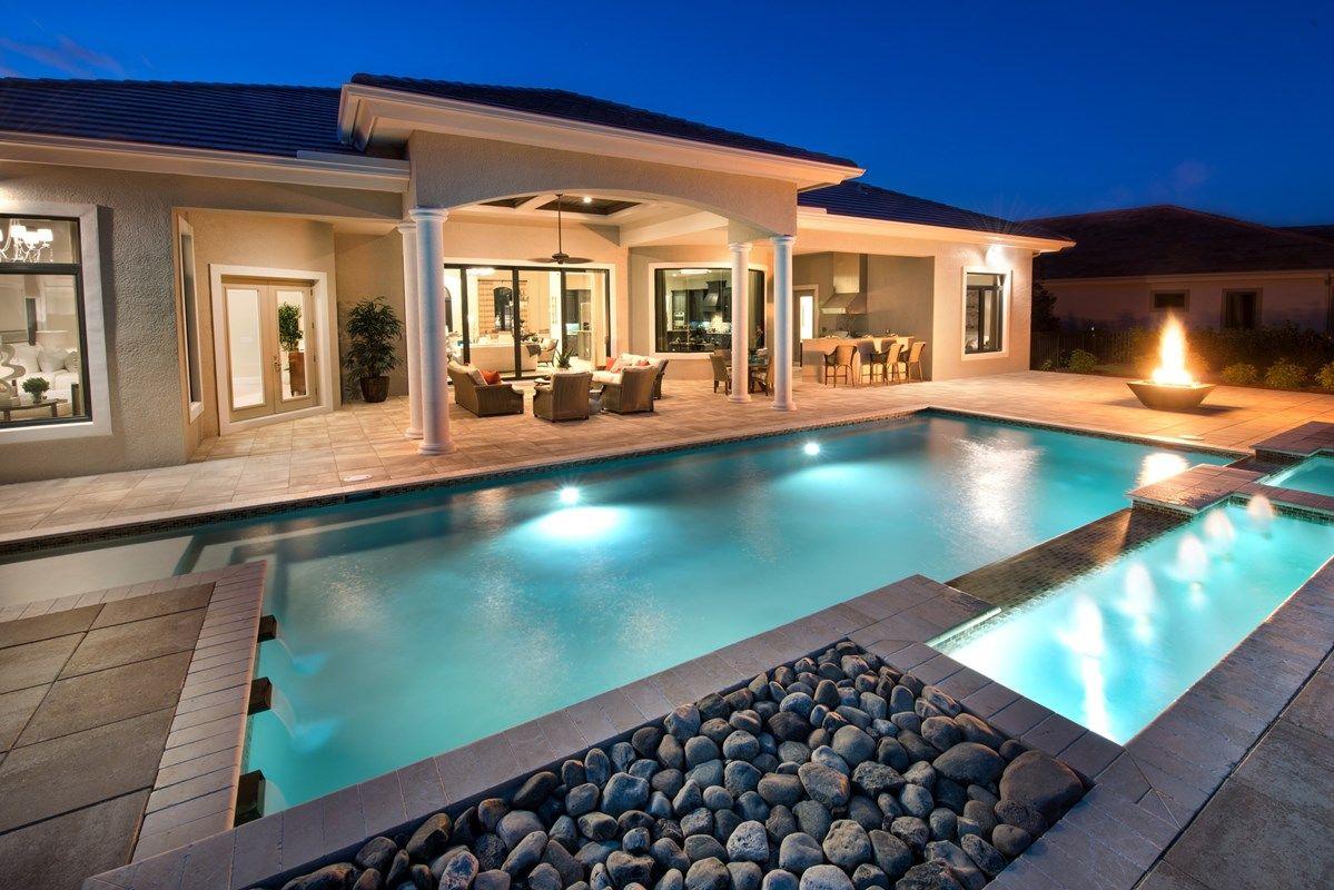 單親家庭 為 出售 在 Stock Signature Homes - Regency Manor 3639 Professional Circle Naples, Florida 34119 United States