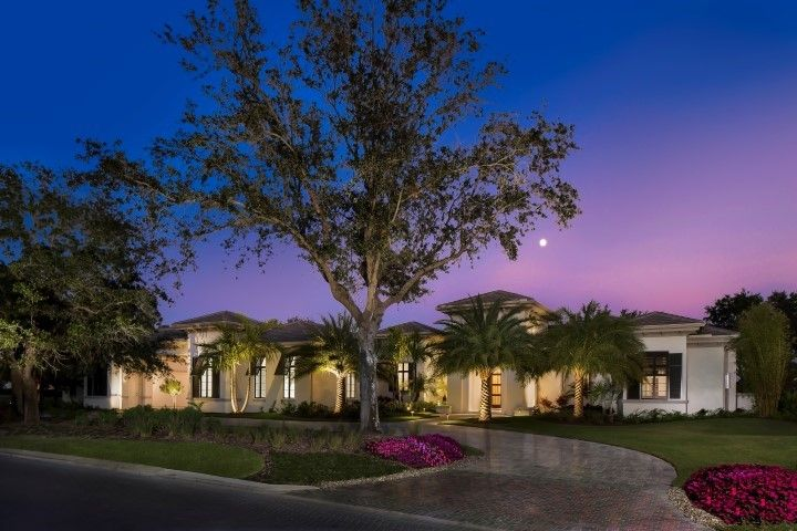 Photo of Regency Manor in Naples, FL 34119