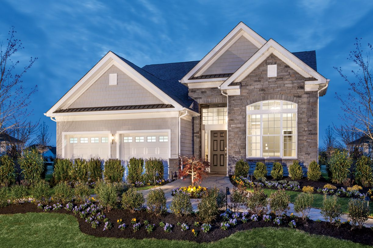 单亲家庭 为 销售 在 Bronson 32 Jameson Drive Millis, Massachusetts 02054 United States