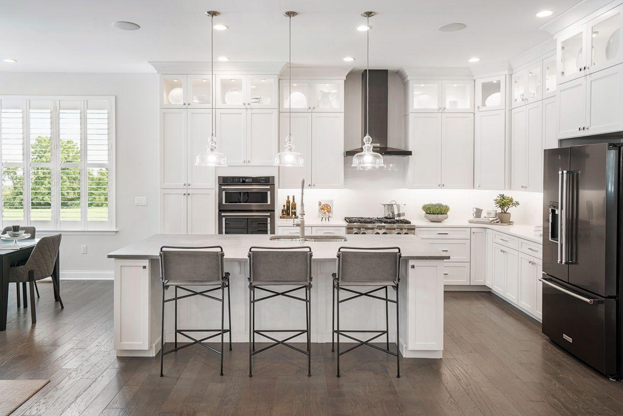 单亲家庭 为 销售 在 Binghamton 36 Briarwood Plymouth, Massachusetts 02360 United States