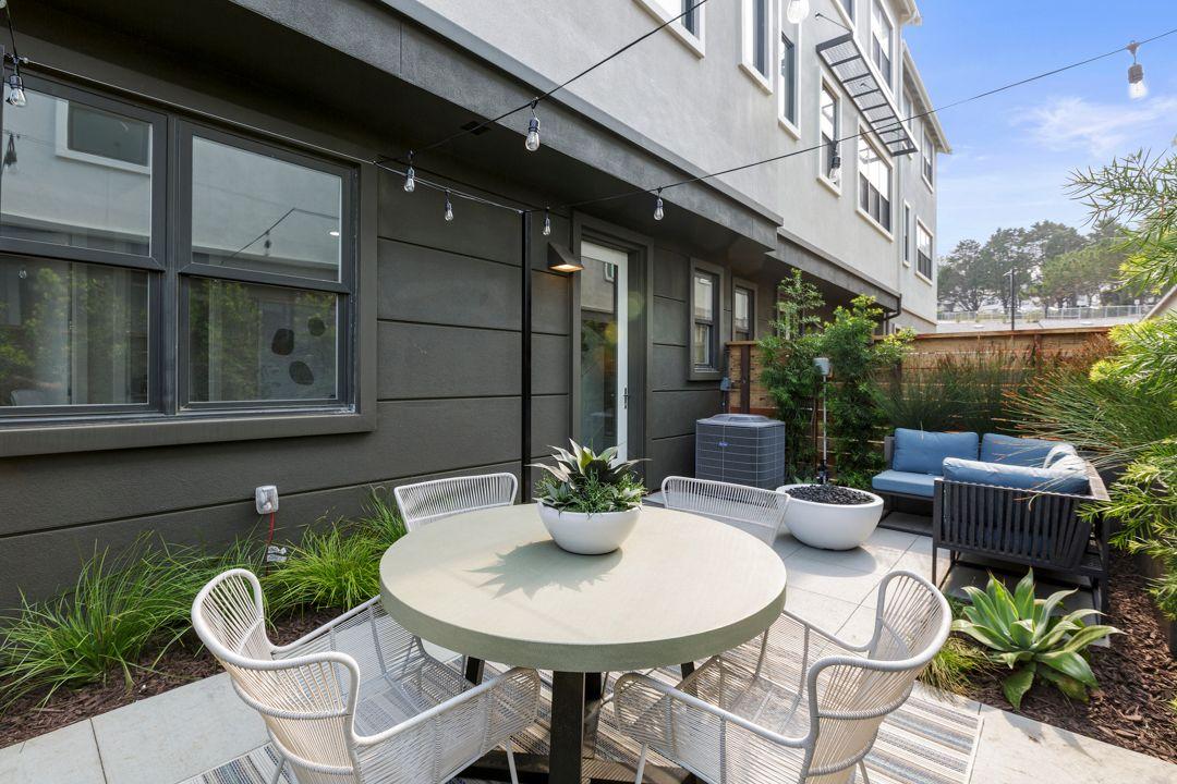 Unifamiliar por un Venta en Bayview 22 - Plan 2 2673 Bantry Court South San Francisco, California 94080 United States